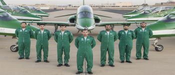 فريق الصقور السعودية يبدأ موسم العروض الجوية لعام ٢٠١٥