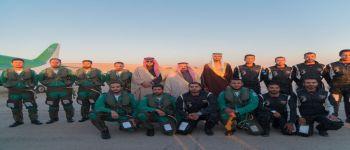 الصقور السعودية وفرسان الإمارات يجسدون روح التلاحم في سماء الرياض