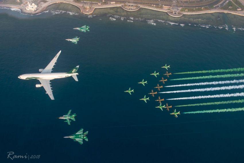 عروض جوية وتشكيلات بالطائرات المقاتلة احتفالاً باليوم الوطني 88