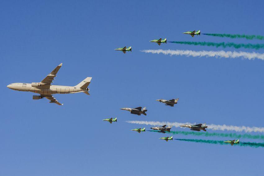 فريق الصقور السعودية يشارك في فعاليات اليوم الوطني الـ ٩٠.. همة نحو القمة